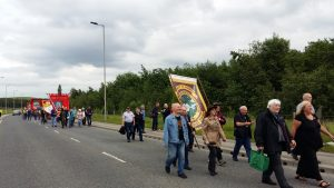Davie Hopper NUM marches alongside Karen Reay UNITE