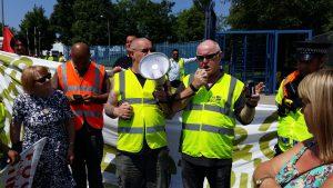 Ronnie Draper BFAWU General Secretary addresses the strikers on the picket line
